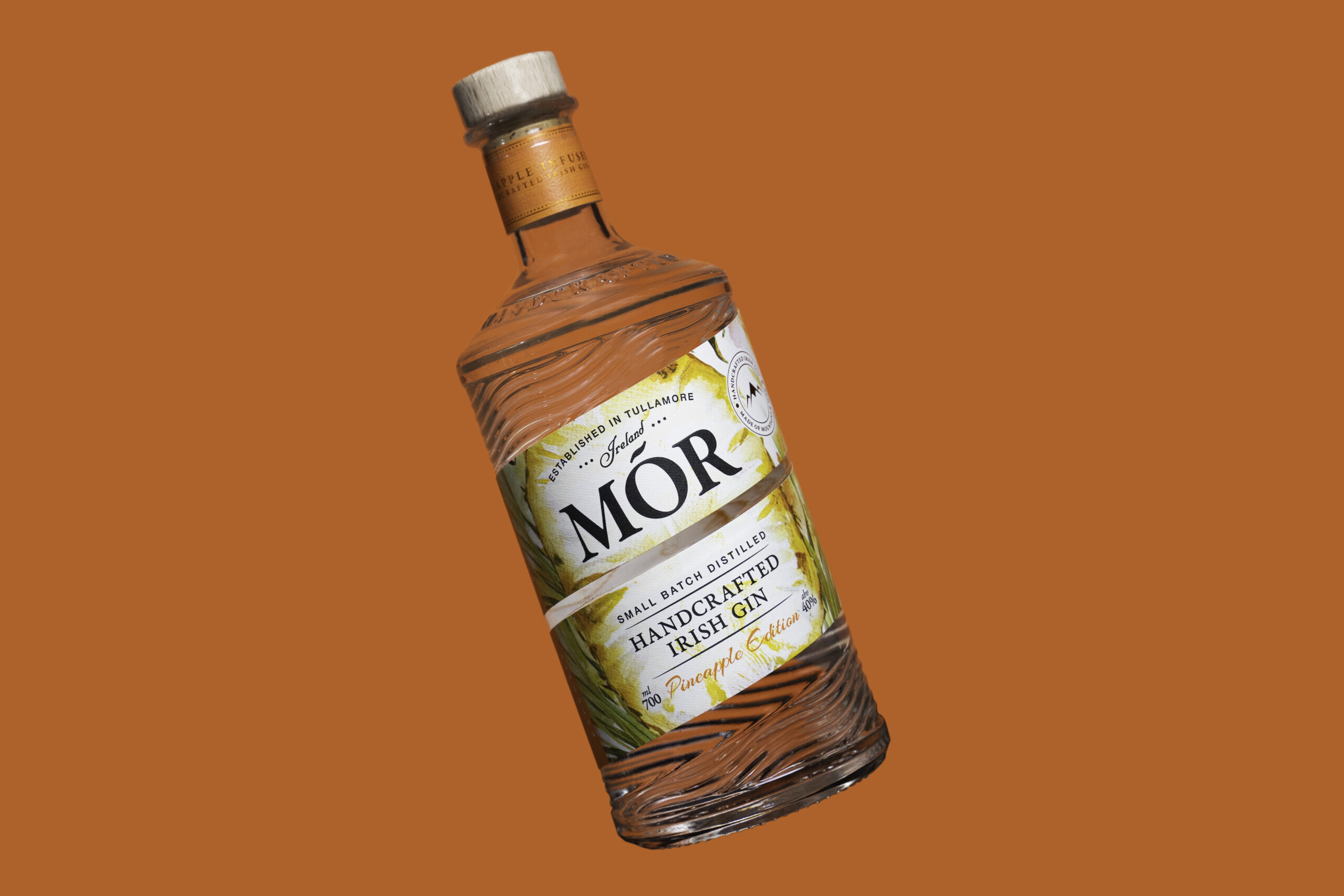 Mor GIN Product ShootPineapple Gin Colour 1